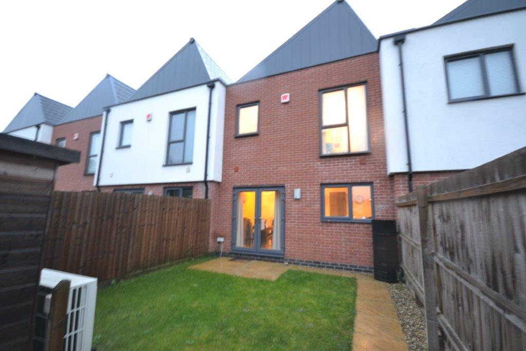 3 Bedrooms Terraced House for sale in Wheatsheaf Way, Leicester